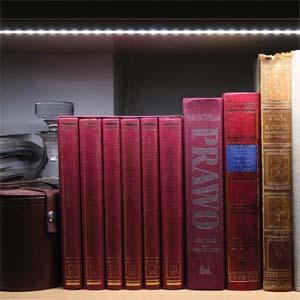 Применения алюминиевого профиля и светодиодной ленты в подсветке книжной полки